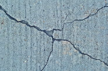 What triggers the Earthquake ? What makes the earth move?